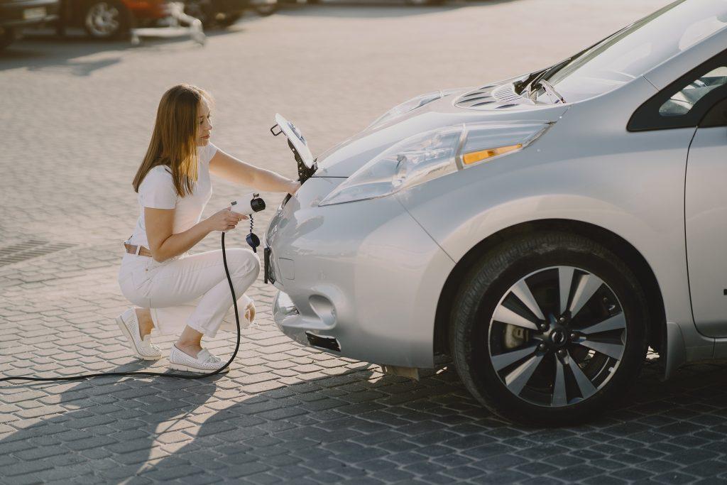 Fenntartható az elektromos autók okozta keresletnövekedés a fémiparban?